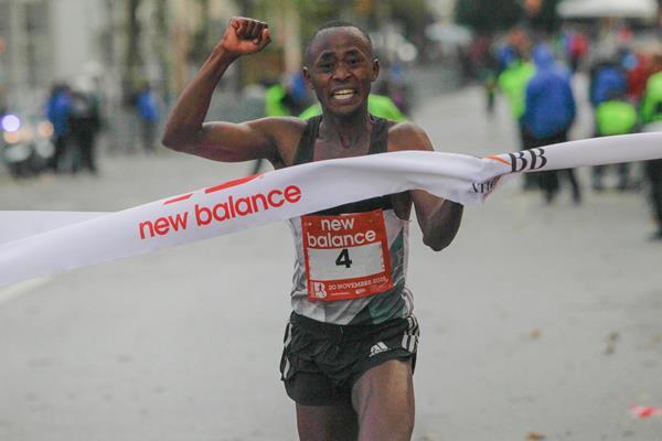 Morris Munene winning the 2016 Boulogne-Billancourt Half Marathon (organisers)