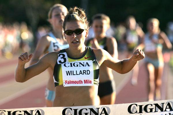 Anna Willard winning in Falmouth (Victah Sailer)