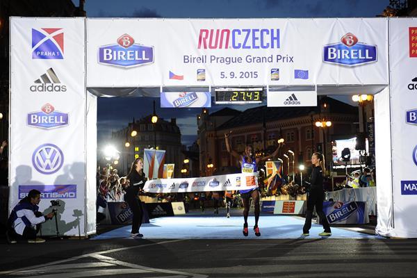 Daniel Chebii winning the 2015 Birell Prague Grand Prix (Organisers)
