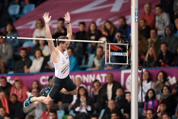 Renaud Lavillenie wins the pole vault at the French Championships (Philippe Millereau/KMSP)