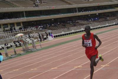 Emmanuel Chamer on his way to victory in the 10,000m at the Kenyan Police Championships (Omulo Okoth)