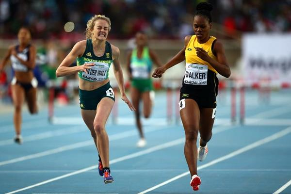 South Africa's Zeney van der Walt edges Jamaica's Sanique Walker to win the girls' 400m hurdles at the IAAF World U18 Championships Nairobi 2017 (Getty Images)