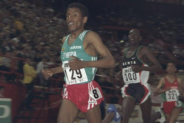 Haile Gebresilasie in the 3000m at the IAAF World Indoor Championships in Paris (Getty Images)