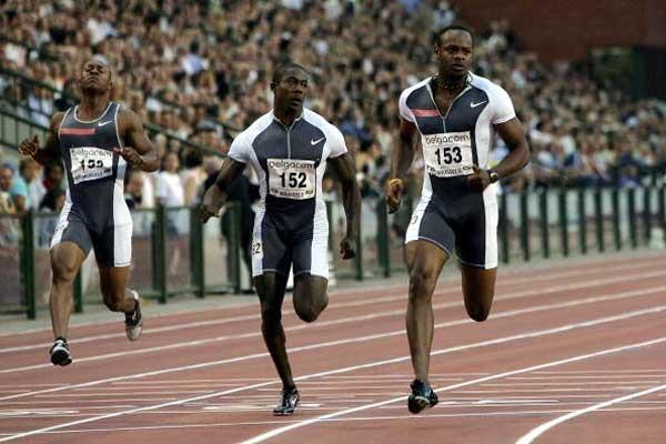 Asafa Powell wins the men's 100m in 9.87 in Brussels (Getty Images)