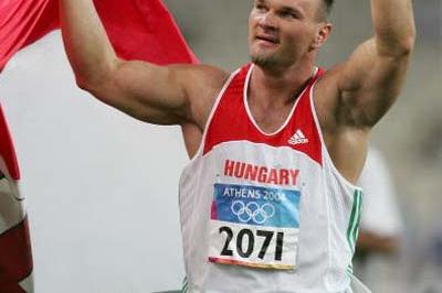 Robert Fazekas of Hungary celebrates winning the Discus Throw (Getty Images)