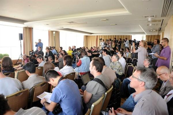 A packed room (15 July) for the Usain Bolt press conference ahead of the Meeting Areva, the fourth fixture of the ÅF Golden League 2009 (Fri 17 July) (Jiro Mochizuki (Agence Shot))