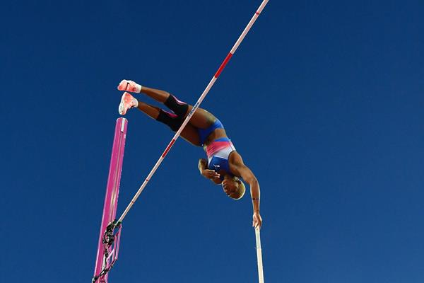 Yarisley Silva in the pole vault at the IAAF World Championships London 2017 (AFP / Getty Images)