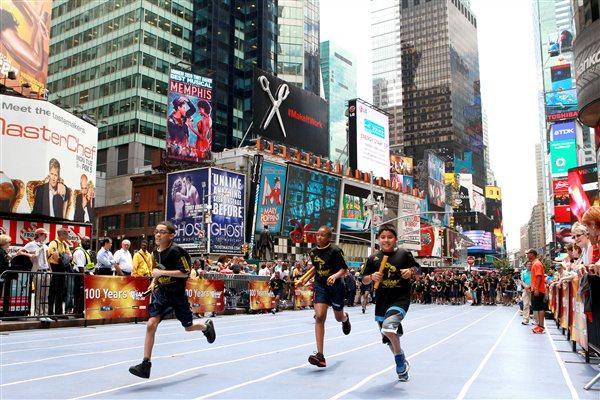 Celebrating the IAAF Centenary in New York (Victah Sailer)