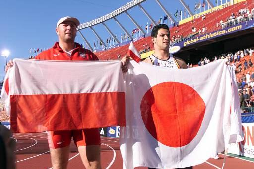 Hammer Throw Final - Szymon Ziolkowski and Koji Murofushi (© Allsport)