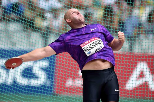 Piotr Malachowski at the 2015 IAAF Diamond League meeting in Paris (Jiro Mochizuki)