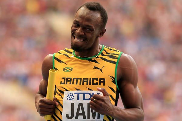 Usain Bolt anchors Jamaica to victory in the 4x100m (Getty Images)