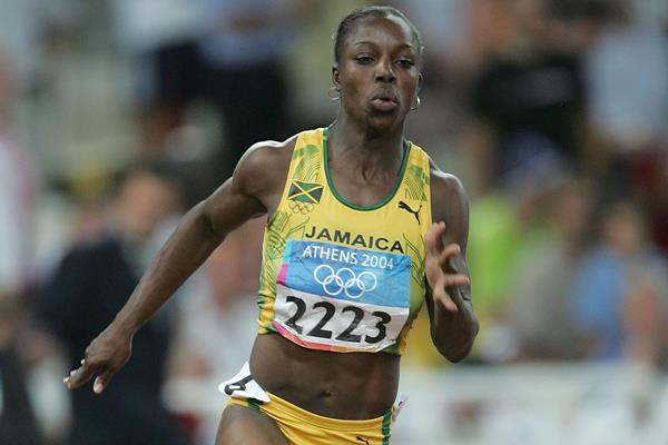 Veronica Campbell-Brown in the 200m at the Athens 2004 Olympic Games (Getty Images)