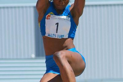 Eunice Barber in the Heptathlon Long Jump in Arles (Lorenzo Sampaolo)