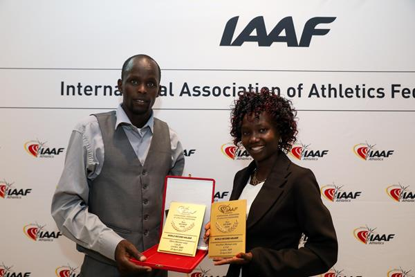 Mary Keitany with her world record plaque in Monaco (Philippe Fitte)