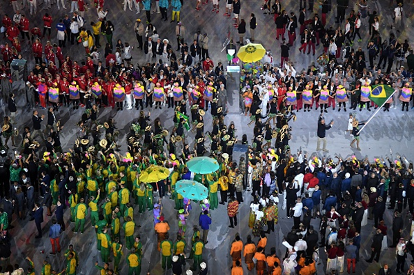 The Brazilian team enters the stadium during the opening ceremony for the Rio 2016 Olympic Games (AFP / Getty Images)