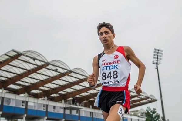 Salih Korkmaz in the 10,000m race walk at the IAAF World U20 Championships Bydgoszcz 2016 (Getty Images)
