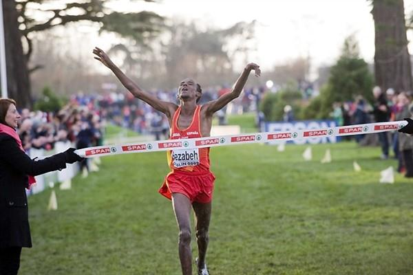 Alemayehu BEZABEH (ESP) takes the 2009 European XC title in Dublin (Hans Sjögren)