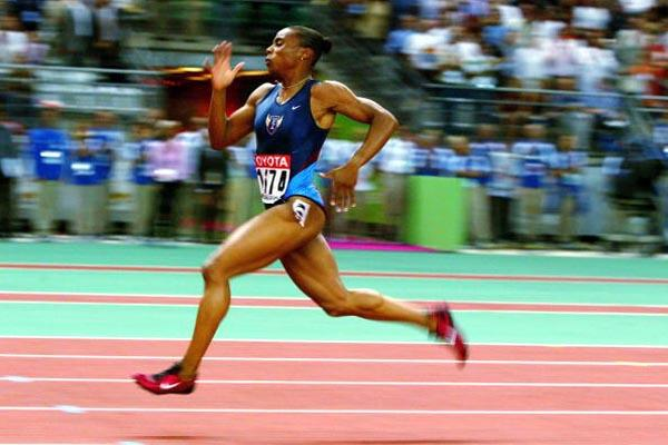 Kelli White on her way to winning the 200m gold medal (Getty Images)