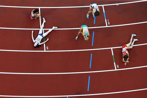 Athletes at the end of their 5000m heat at IAAF World Championships London 2017 (Getty Images)