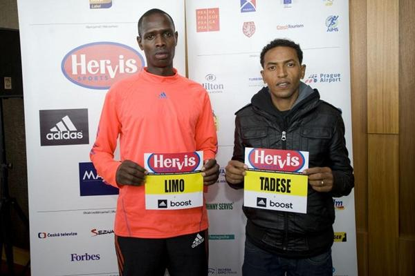 Philemon Limon (left) and Zersenay Tadese at the 2013 Hervis Half Marathon Prague press conference (Hervis Half Marathon Prague)