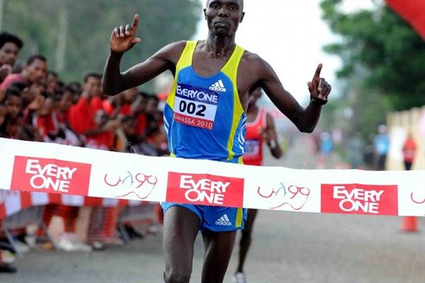 Wilson Chebet winning the inaugural Every One half marathon near Ethiopia's Lake Hawassa (Jiro Mochizuki)