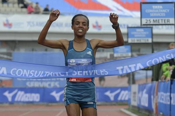 Betelhem Moges wins at the TCS 2014 Amsterdam Marathon (organisers / Soenar Chamid)