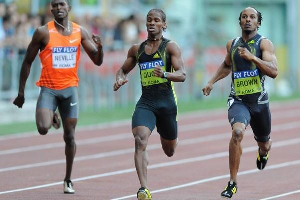 Chris Brown of the Bahamas dips under 45 seconds to win the 400m by a narrow margin (Getty Images)