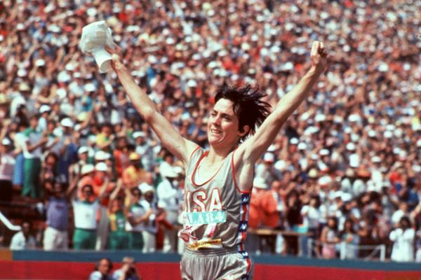 Joan Benoit winning the 1984 Olympic Games marathon (Getty Images)