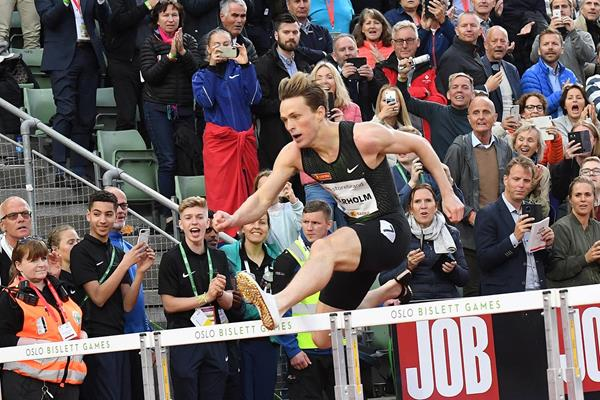 Karsten Warholm on his way to breaking the European 400m hurdles record at the IAAF Diamond League meeting in Oslo (Deca Text & Bild)