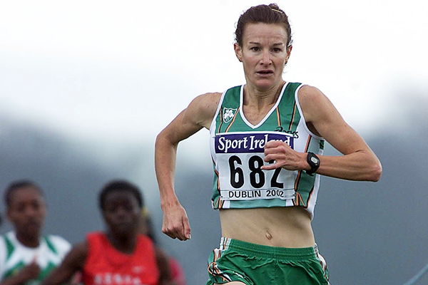 Sonia O'Sullivan in action at the 2002 IAAF World Cross Country Championships (Getty Images)