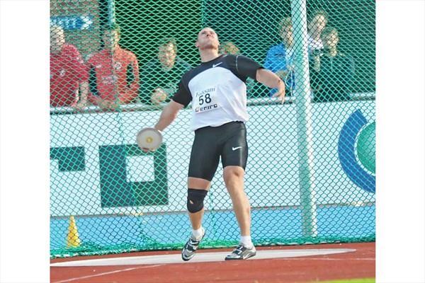 Gerd Kanter throwing in Sollentuna, Sweden (Hasse Sjögren)