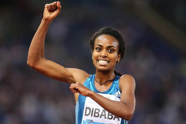Genzebe Dibaba celebrates her 5000m victory (Gladys von der Laage)