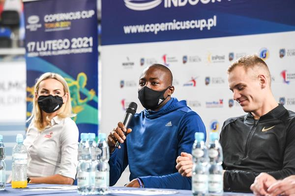 Justyna Swiety-Ersetic, Grant Holloway and Sam Kendricks on the eve of the Copernicus Cup in Torun (Organisers)