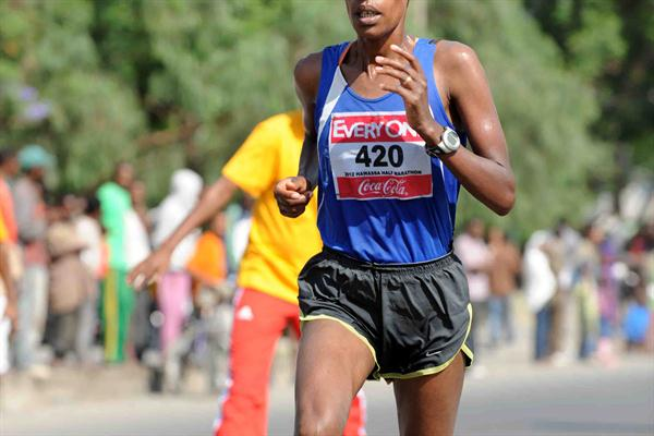 Zeytuna Areb on te way to victory at the Hawassa Half Marathon (Organisers)