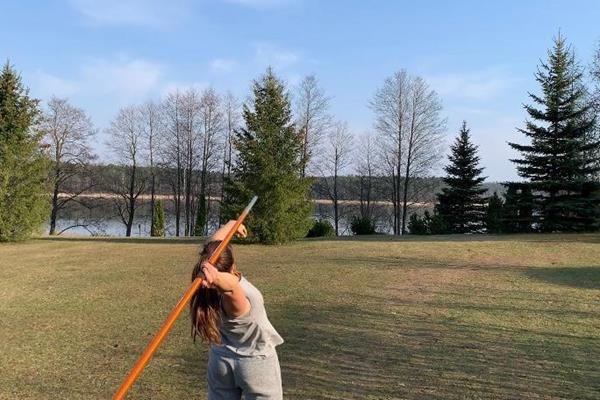 Maria Andrejczyk's backyard training session  (Maria Andrejczyk)