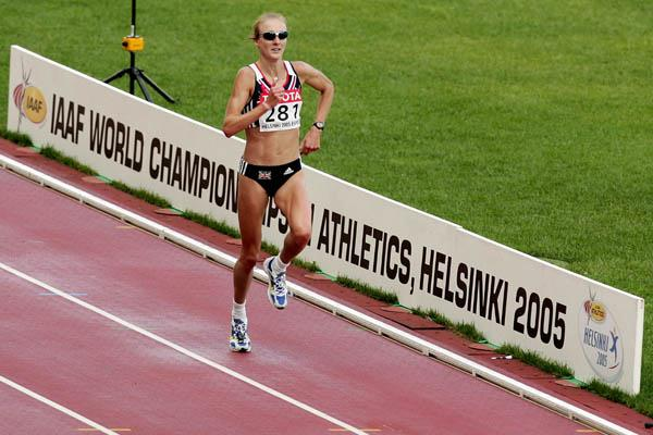 Paula Radcliffe sprints to the line in the women's marathon (Getty Images)