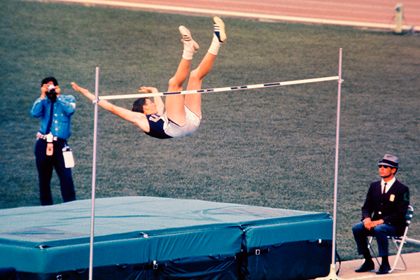 Dick Fosbury in the high jump at the 1968 Olympic Games in Mexico City (AFP / Getty Images)