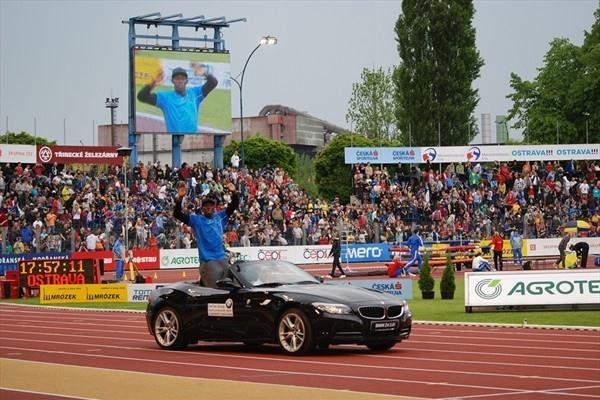 Usain Bolt enjoying the opening parade in Ostrava (Ricky Simms)