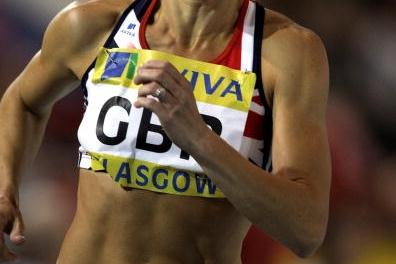 Jenny Meadows (GBR) on her way to 800m victory in Glasgow (Getty Images)