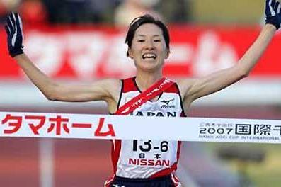 Yukiko Akaba of Japan brings home the victory in Chiba (Kazutaka Eguchi/Agence SHOT)
