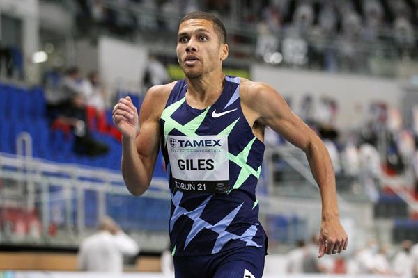 Elliot Giles wins the 800m at the World Athletics Indoor Tour meeting in Torun (Jean-Pierre Durand)