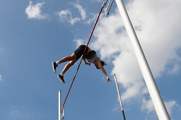 Tobias Scherbarth in the pole vault at Fly Europe Paris (AFP / Getty Images)