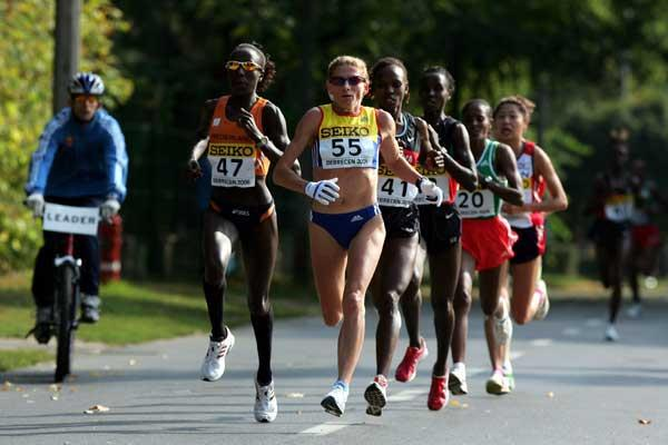 Kiplagat and Tomescu forge ahead - Debrecen (Getty Images)