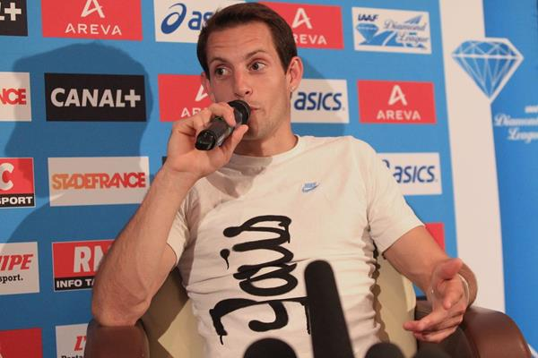 Renaud Lavillenie at the pre-event press conference for the 2013 IAAF Diamond League In Paris (Jean-Pierre Durand)
