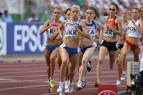 Ukraine's Yuliya Krevsun on the way to her world-leading 1:58.62 in Leiria (Marcelino Almeida)