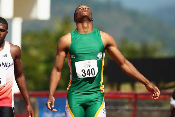 Tlotliso Gift Leotlela winning the 100m at the Commonwealth Youth Games (Getty Images)