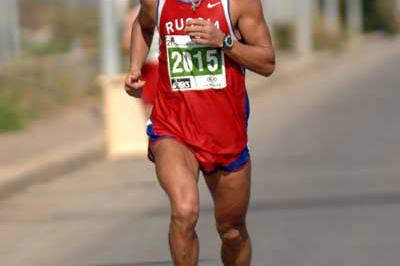 Oleg Kharitonov in action (Sean Wallace-Jones IAAF)