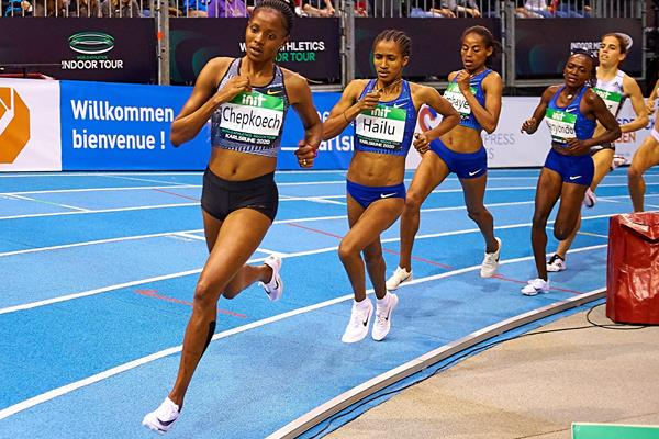 Beatrice Chepkoech in action at the World Indoor Tour meeting in Karlsruhe (Andreas Arndt / organisers)