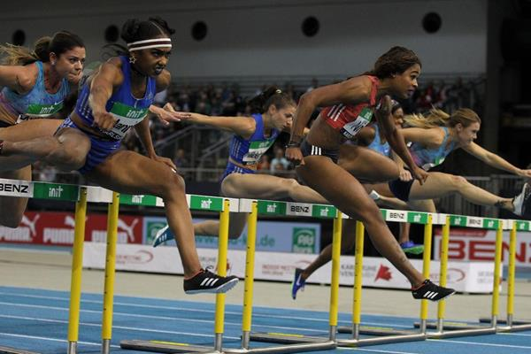 Sharika Nelvis winning the 60m hurdles in Karlsruhe (Jiro Mochizuki for the IAAF)