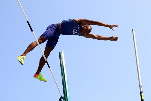 Ashton Eaton in the decathlon pole vault at the Rio 2016 Olympic Games (Getty Images)